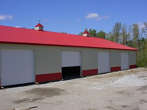 Storage Bright Red Roof Trim and Wainscot Lightstone Siding